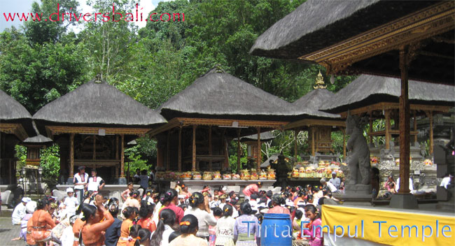 tirta empul temple at tampak siring village